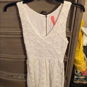 Eight sixty white lace dress size small